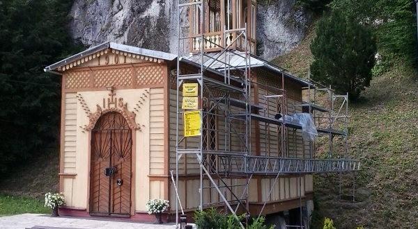 Remont dachu kaplicy Na Wodzie